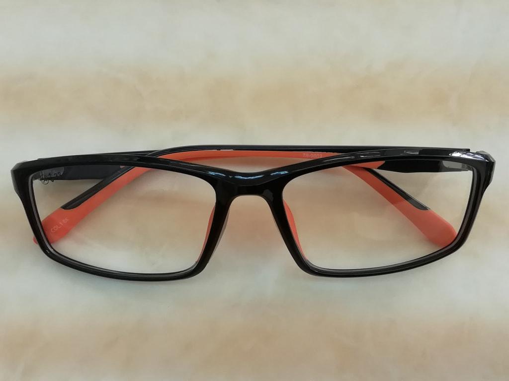 シリコン使用のスポーツメガネ