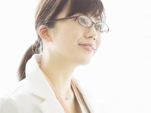 メガネをもっとお気軽にご購入出来るように、お求めやすい価格でご提供いたします!従来メガネは高価なもの! レンズに傷がついたり、度が合わなくなってしまったり。 そんな時、我慢しなくても気軽に購入できます。また、お使いのメガネが壊れたりした時に備えてのスペア用として、手軽にお買い求めいただけるよう格安にてご提供しております。